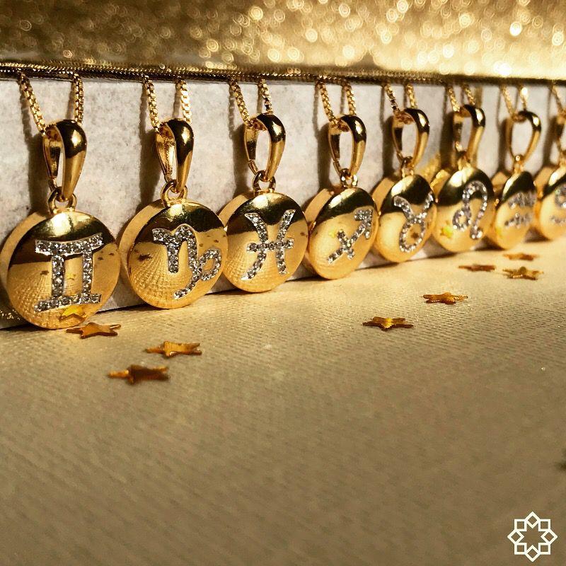 Colar De Signo Aquário Com Zirconias  banhado em ouro 18k