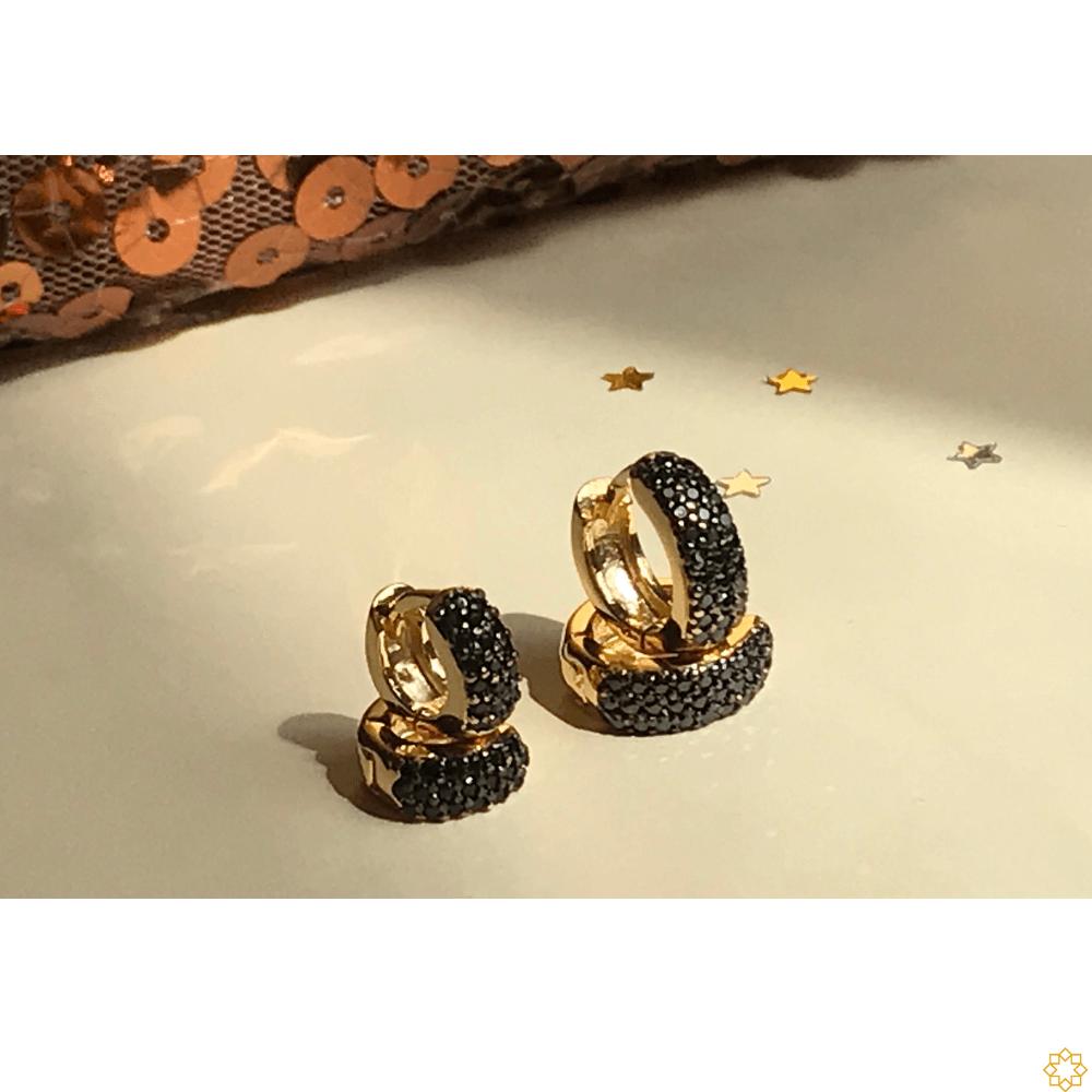 Conjunto Brinco de Argola Primeiro e Segundo Furo zirconias Onix banhado em ouro 18k