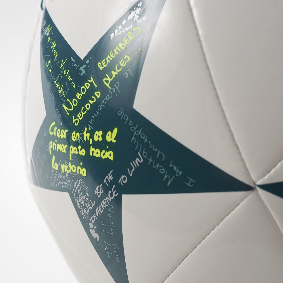Bolas Adidas Final Champions League
