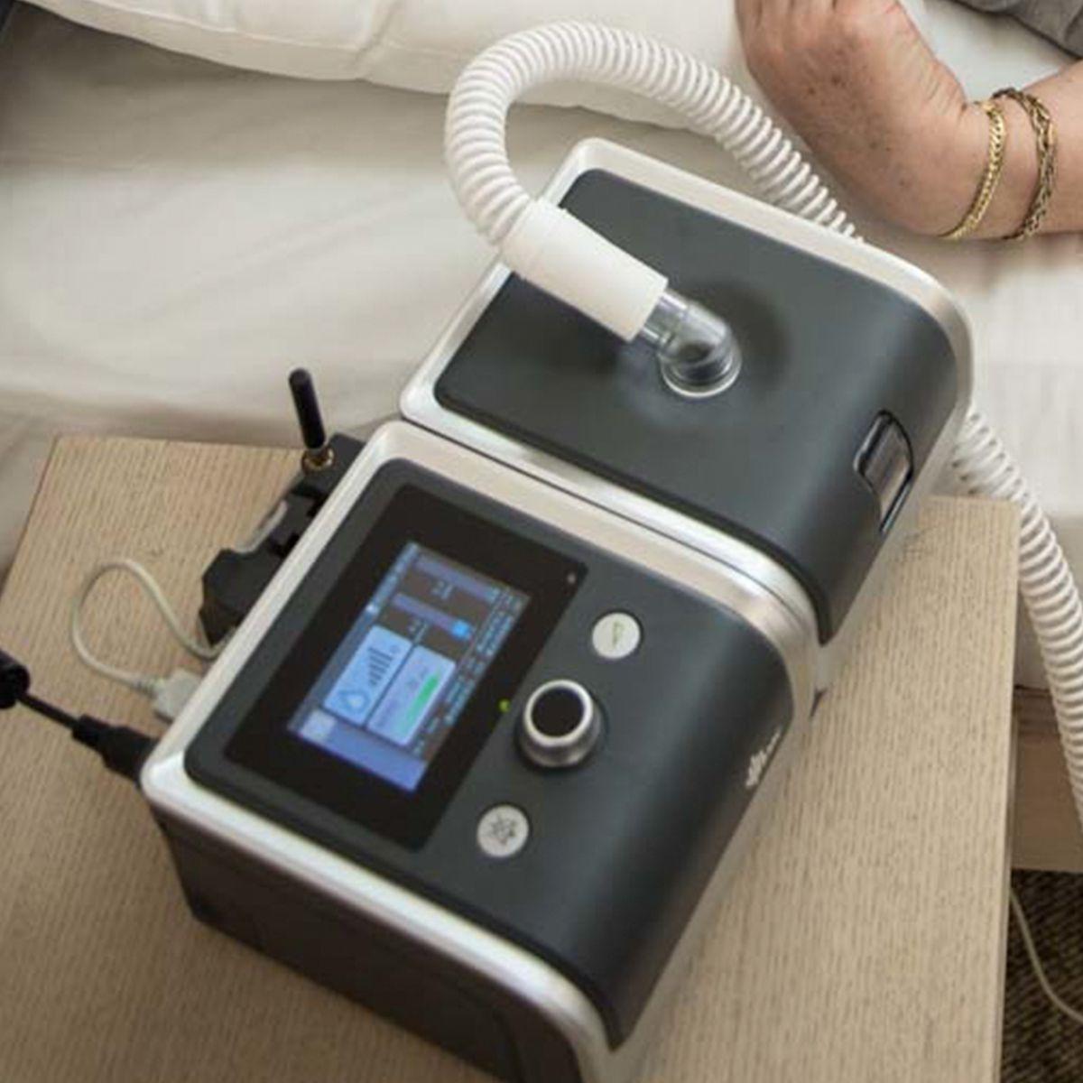 CPAP Automático RESmart G2 + Umidificador + Máscara Amara Gel
