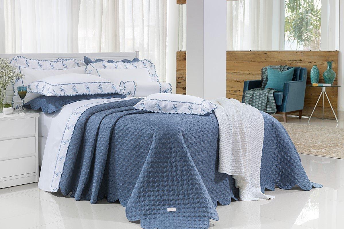 Jogo de Cama Bordado Percal 400 fios Queen Size Priore 4 Peças branco/Azul marinho