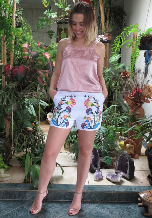Shorts Mamô Linho Bordado Branco