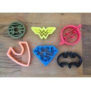 Cortador Heróis Liga da Justiça - pequeno (6 peças)