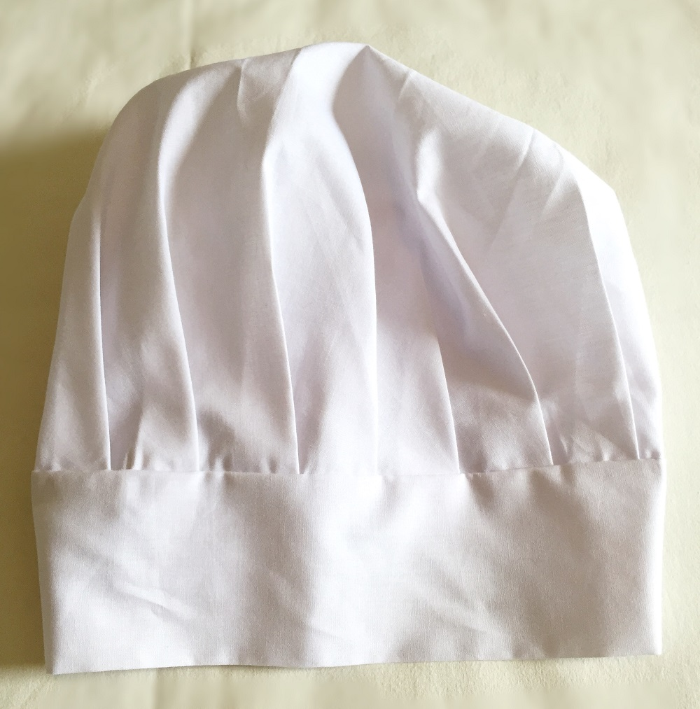 Avental infantil bordado + chapéu mestre cuca
