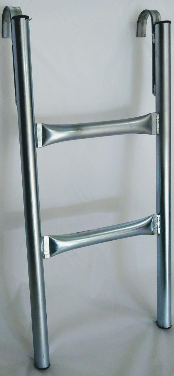 Escada 2 degraus profissional para cama elástica de 2,00m /2,50 m.