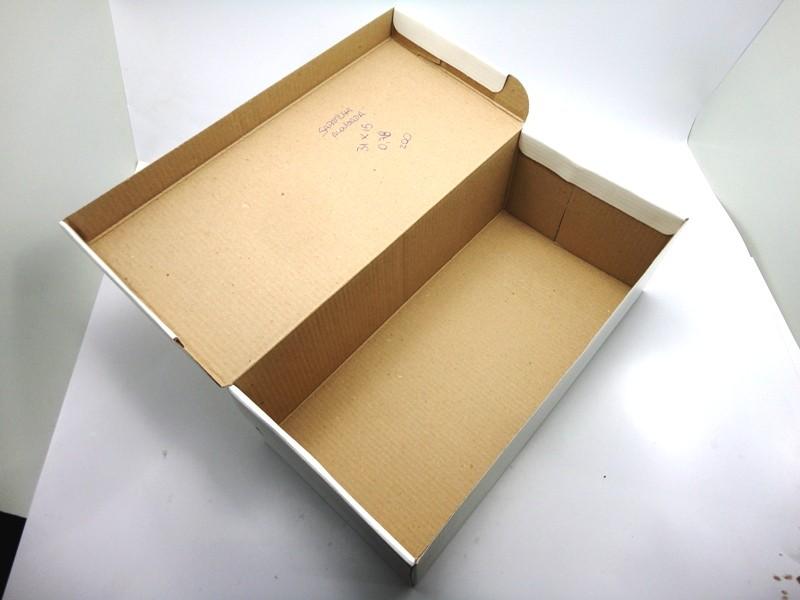 100 caixas adulto - 28 X 14 cm - Branco