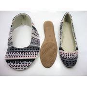 Kit para fabricação de sapatilhas bico redondo - Tecido Geométrico