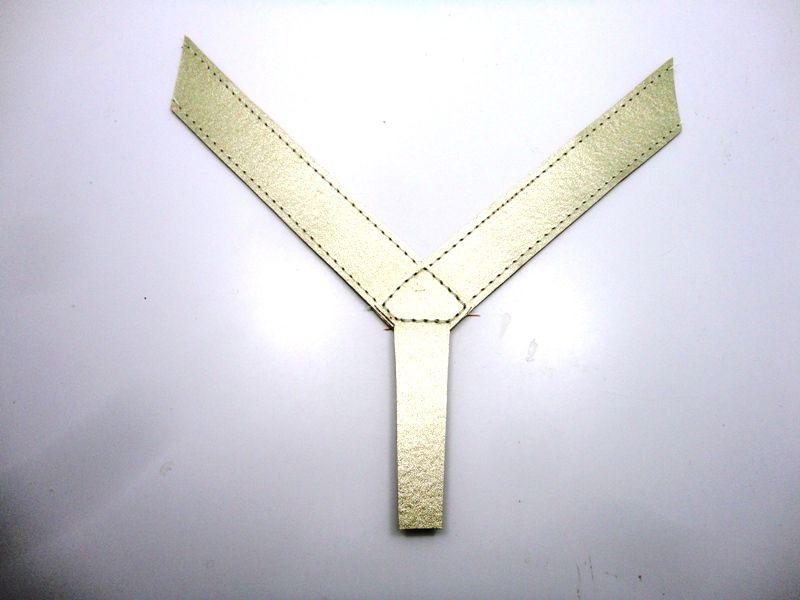Cabedal rasteirinhas dedo - metalizado dourado