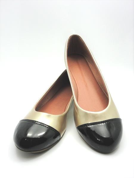 Jogo de escala para sapatilha bico redondo duas cores
