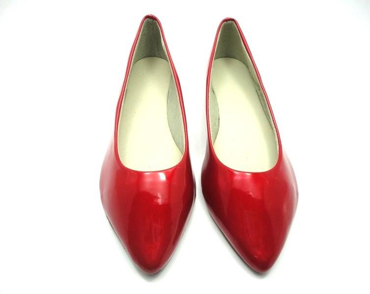 Kit para fabricação de sapatilhas bico fino - Verniz vermelho