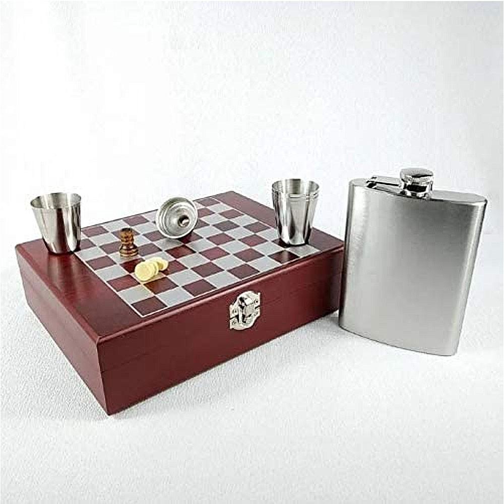 Kit Cantil de Bolso Com 4 Copos e 1 Jogo de Xadrez