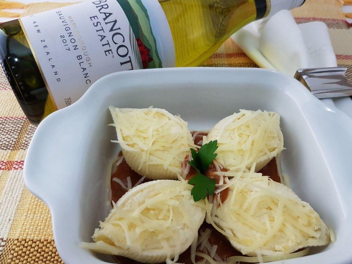 Kit Conchiglione 4 queijos Nova Benta 600g + Vinho Brancott Estate Sauvignon Blanc 750ml