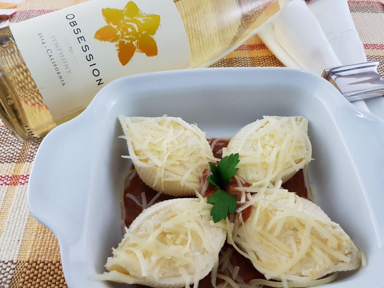 Kit Conchiglione 4 queijos Nova Benta 600g + - Vinho Obsession Symphony Ironstone Branco 750ml