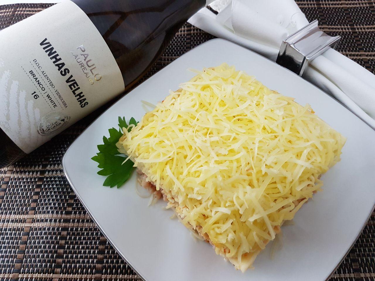 Kit Lasanha de presunto e queijo Nova Benta 600g + Vinho Vinhas Velhas Paulo Laureano 750ml