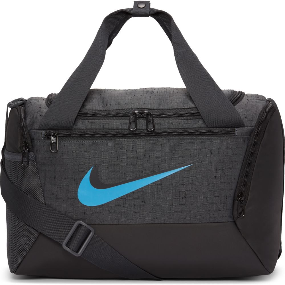 Bolsa Nike Brasilia Duff S 9.0 41 litros SP21 Preto e Azul