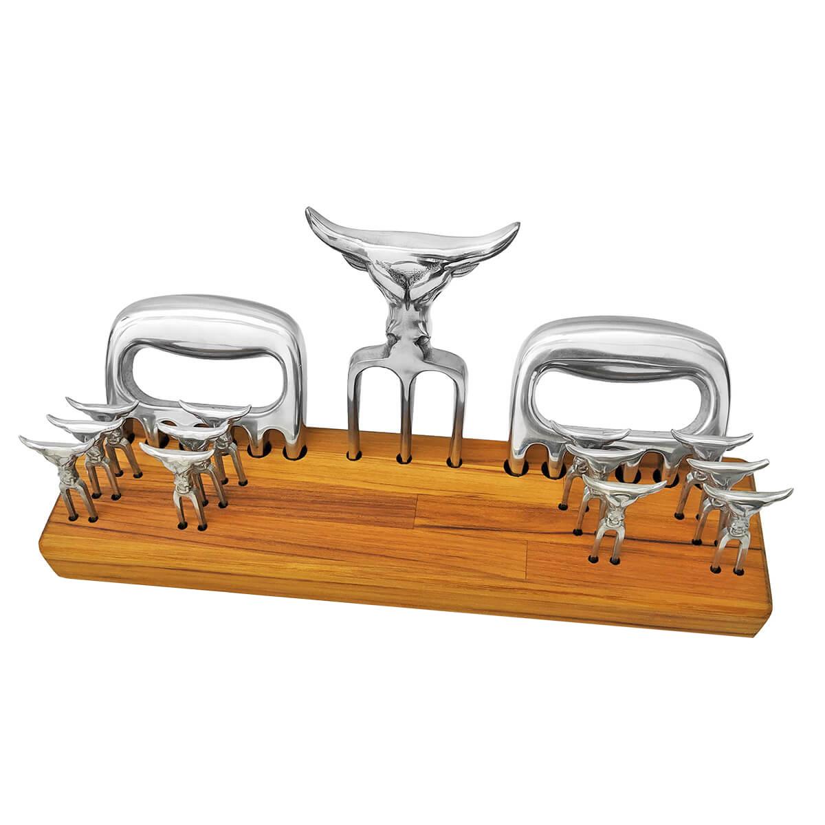 Kit 2 Garras + Tridente + 12 Mini Tridente + Base Personalizado para Churrasco