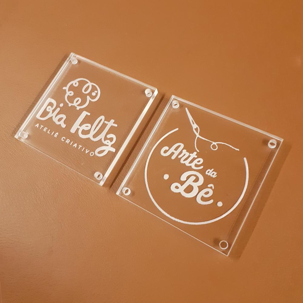 Etiqueta em  Acrílico Personalizadas 4 X 4 CM - 50unid - Quadrado