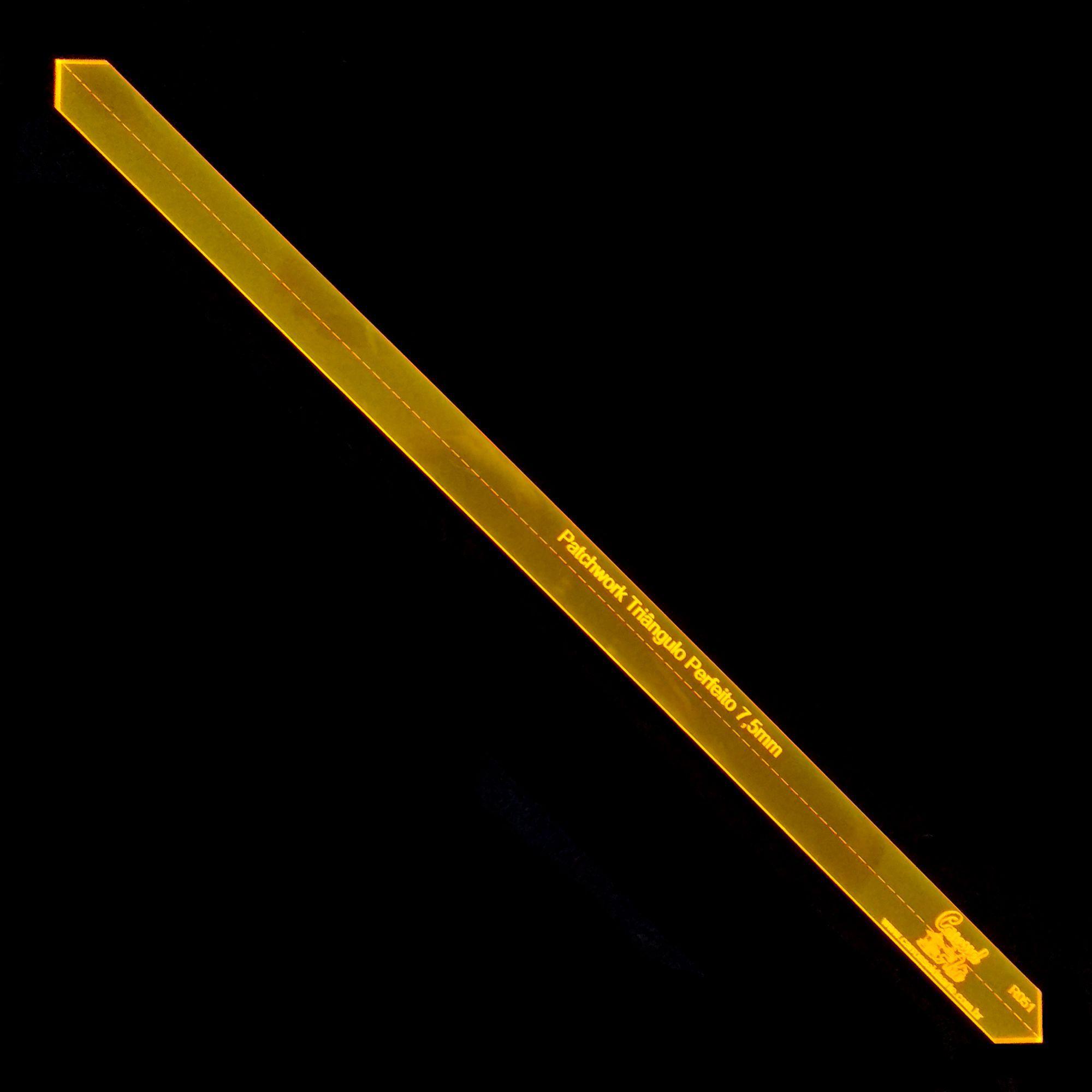 Régua para Patchwork Triangulo Perfeito centímetros