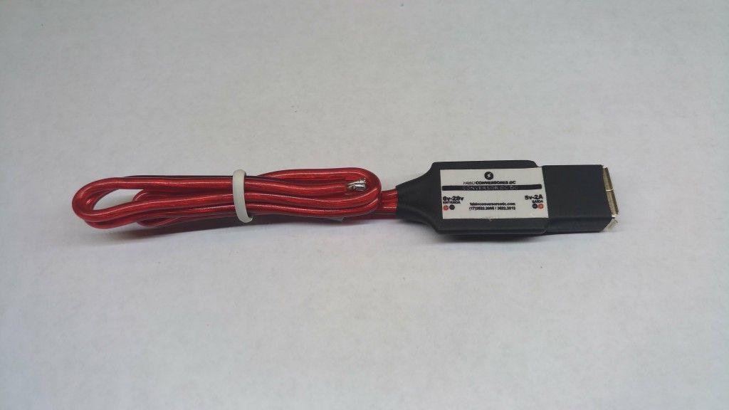 AU 21-retrátil  - Conversor DC/DC 12V ou 24V para 5V-2A USB fêmea