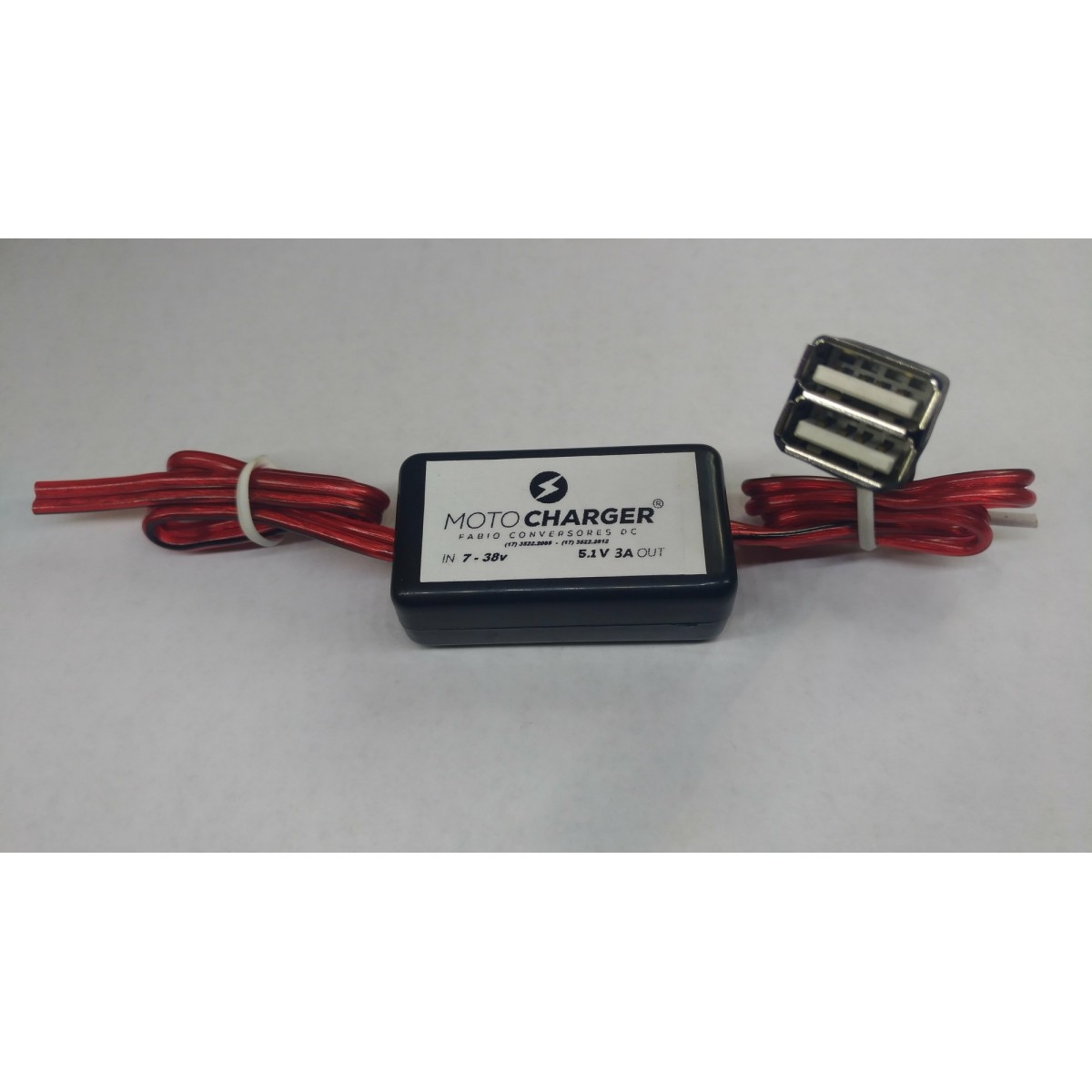 AU 21(2 USB) - Conversor DC/DC 12V ou 24V para 5V-3A com 2 saídas USB fêmea