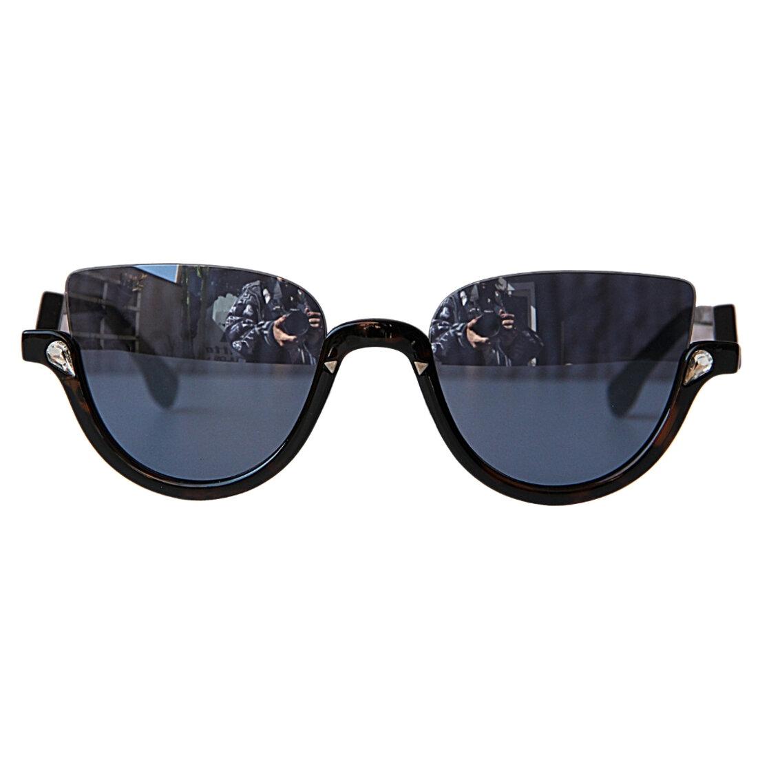 OUTLET - Óculos de Sol Khatto Retrô Cat - Preto