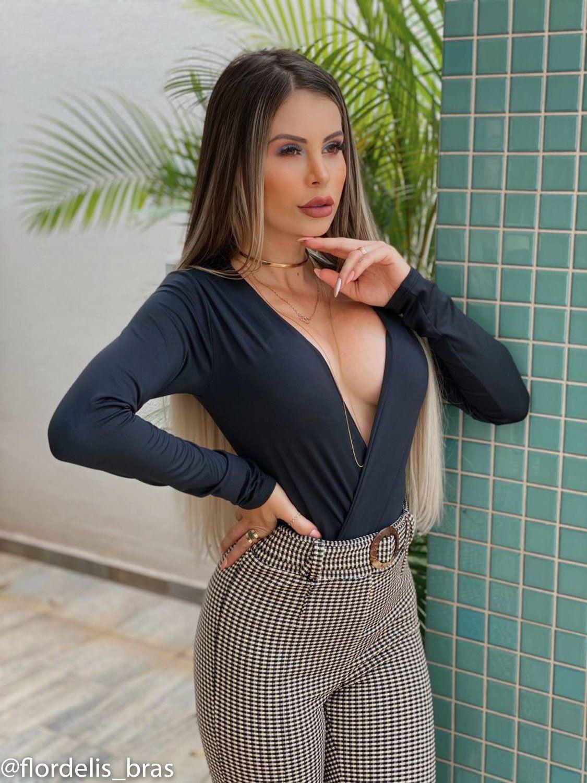 Body Bruna Marquezine Manga Longa