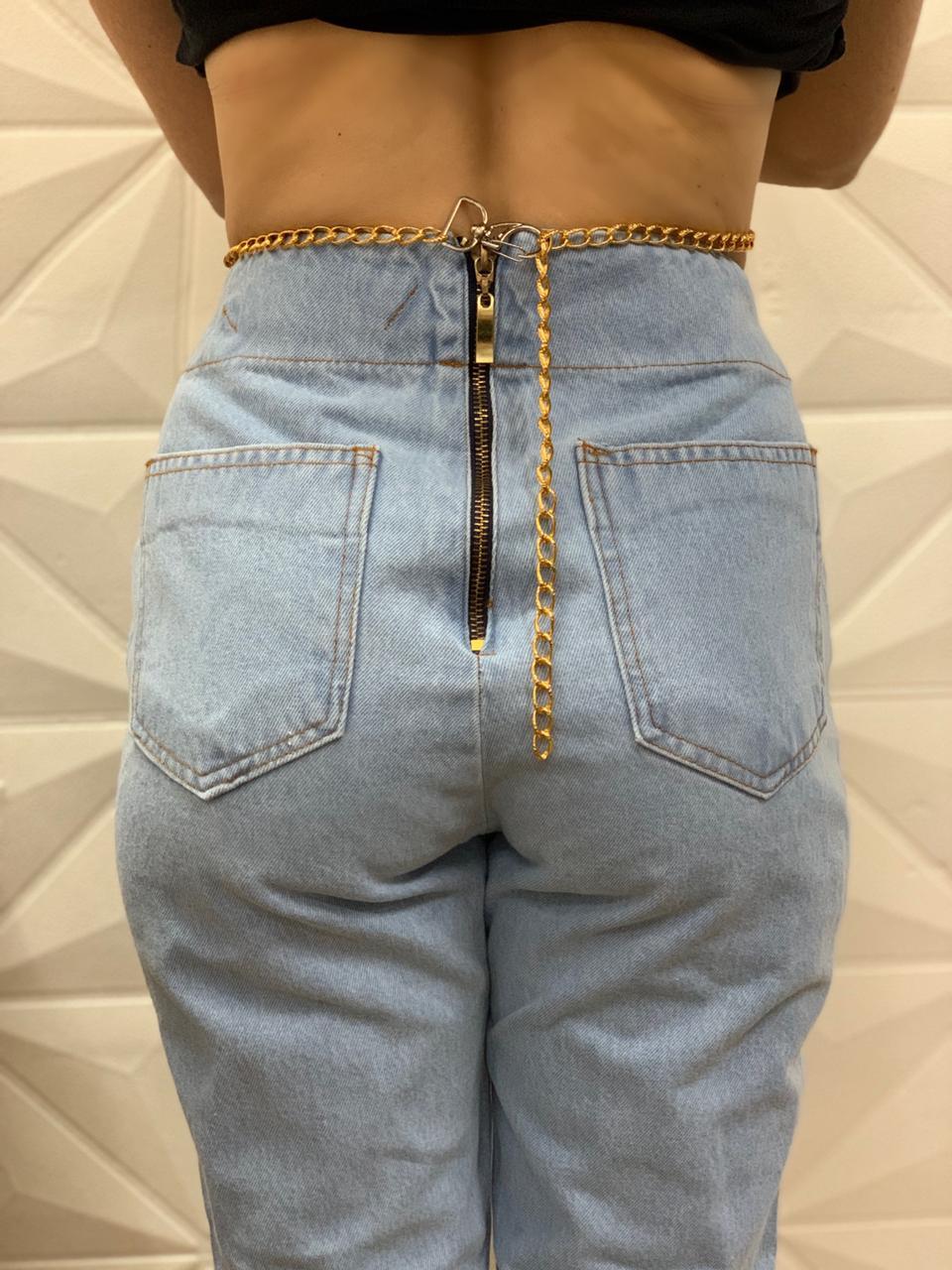 Calça Jeans Claro Style com Corrente