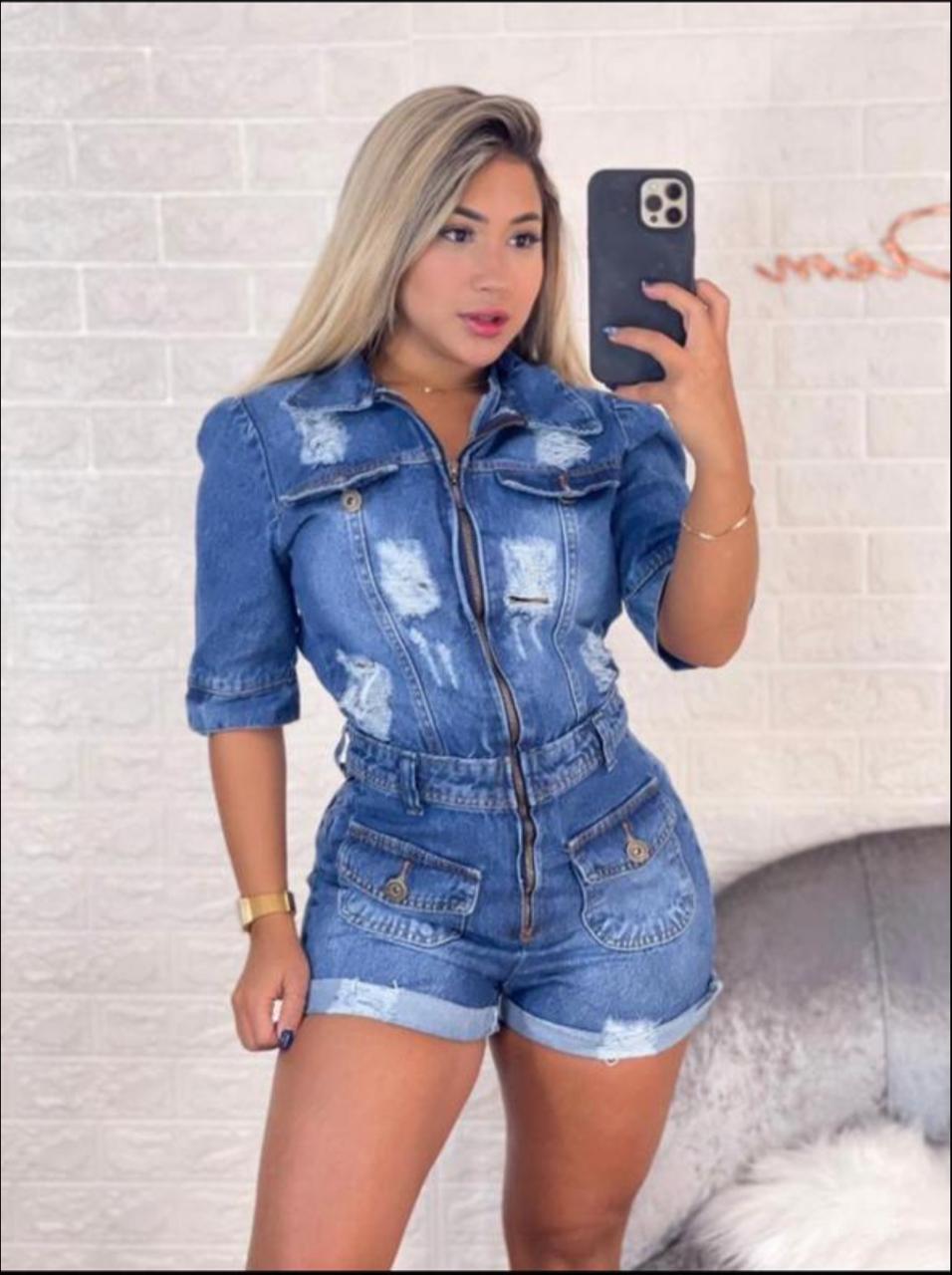 Macacão Jeans com Zíper