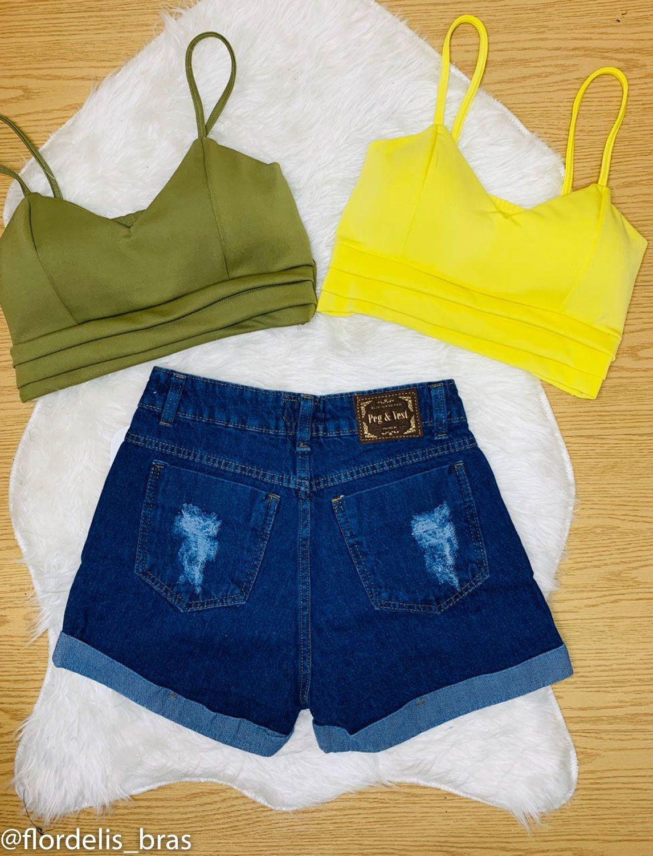 Shorts Jeans Cintura Alta com Fenda na Cintura