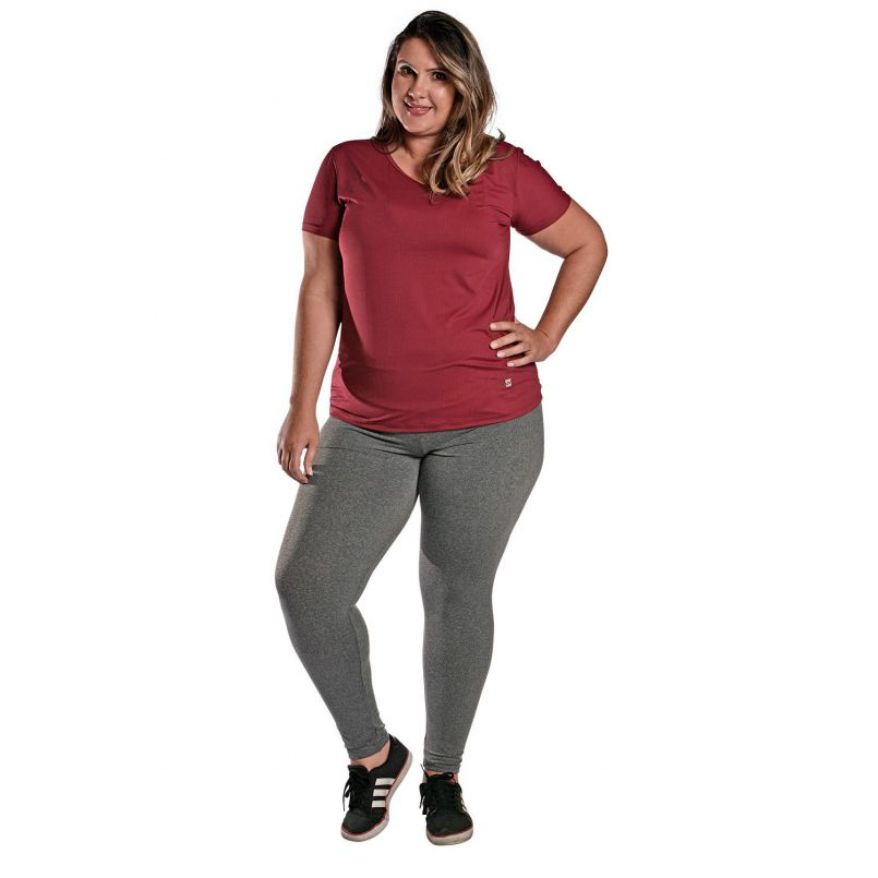 Camiseta Plus Size New Trip Marsala