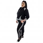 Foto 2 Calça Jogger Moletom Feminina Plus Size Preto e Cinza com Detalhe
