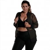 Foto 1 Jaqueta Bomber Feminina Plus Size em Tela com Bolsos e Zíper Preto
