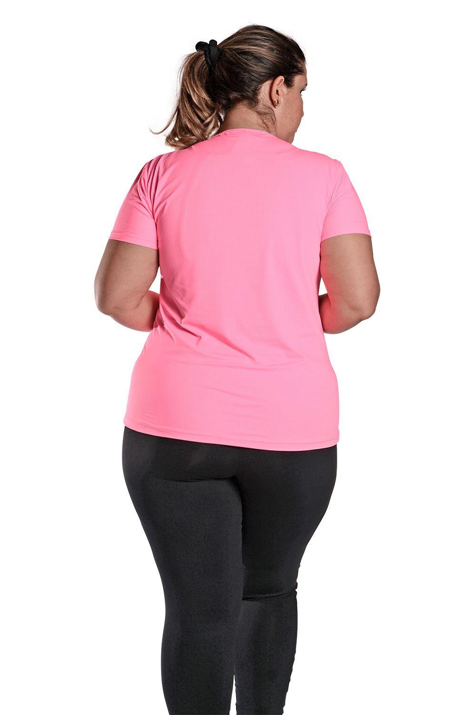 Camiseta Plus Size New Trip Rosa Florescente
