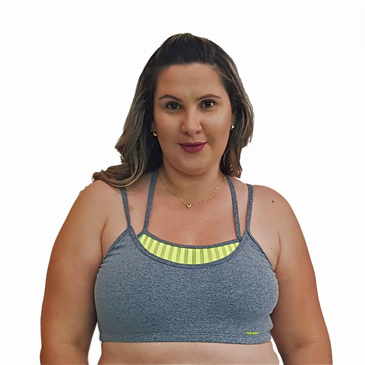 Top Fitness Plus Size com Alças Finas Duplas Cinza e Detalhe em Tela Verde Fluorescente
