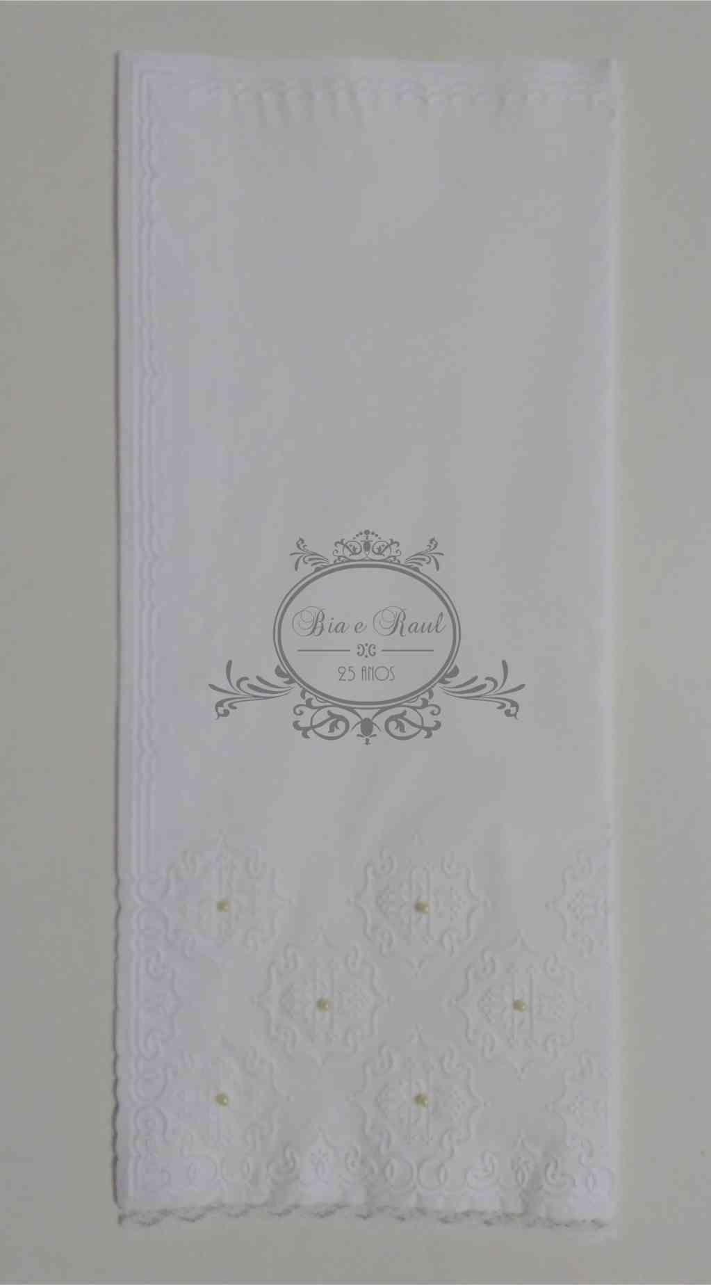 Toalha papel para lavabo 29x34cm - personalizada c/ aplic renda e pérola - 100 unidades  - Persona Guardanapos & Cia