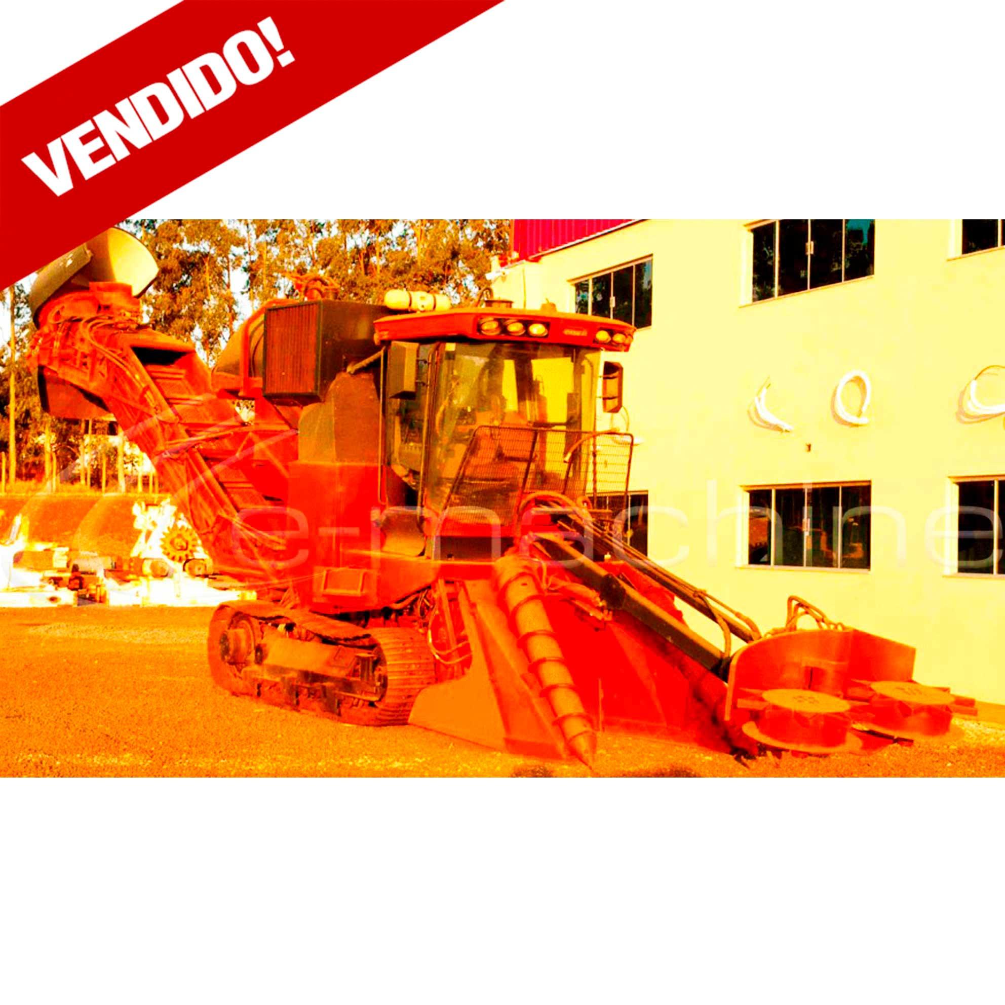 COLHEDORA DE CANA CASE A8800 MOTOR E01001264 ANO 2010