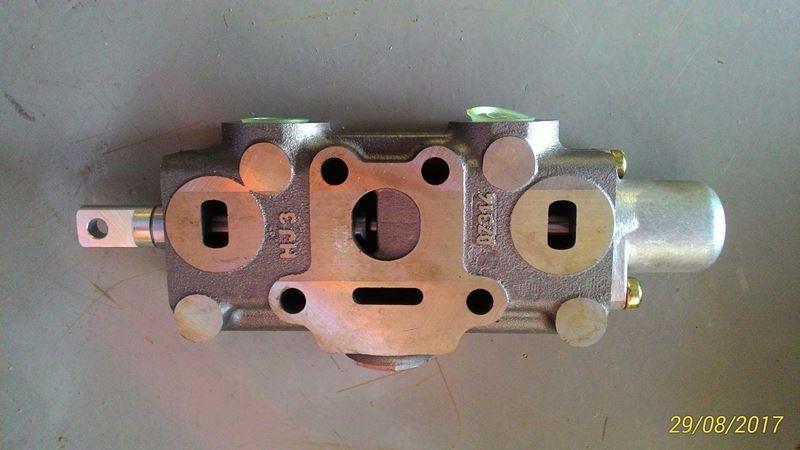 COMANDO DIRECIONAL HIDRAULICO ML25 - PARKER 098018001