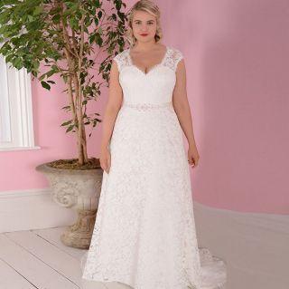 Vestido de Noiva Leve Plus Size Rendado