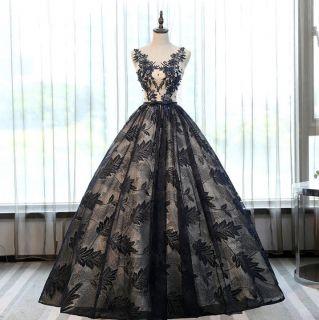 Vestido Debutante Preto com Detalhes