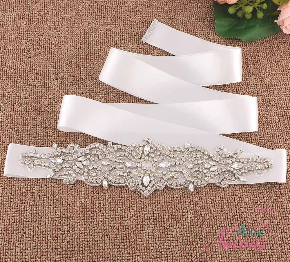 Cinto para vestido de noiva em branco e off white