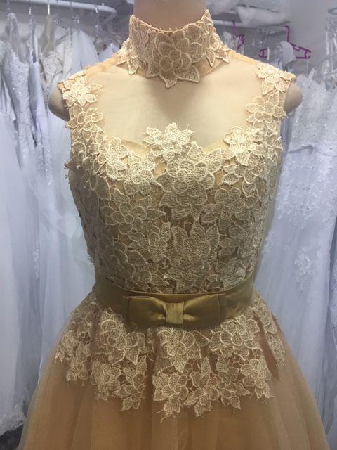 Vestido Curto Dourado