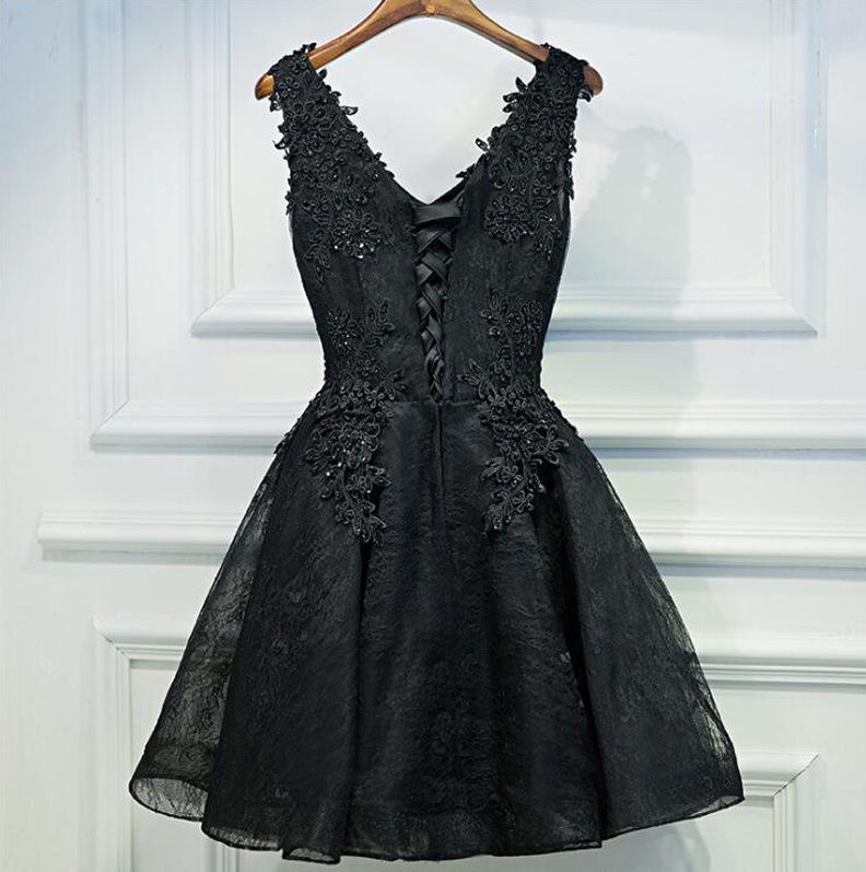 Vestido Curto Preto Rendado