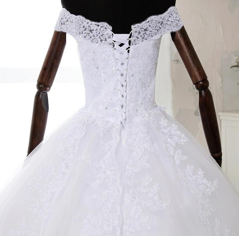 Vestido de Noiva alça Ombro e Cauda