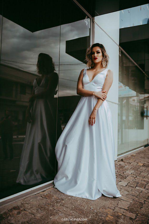 Vestido de Noiva Cetim Costas Aberta