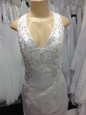 Vestido De Noiva Justo Bordado