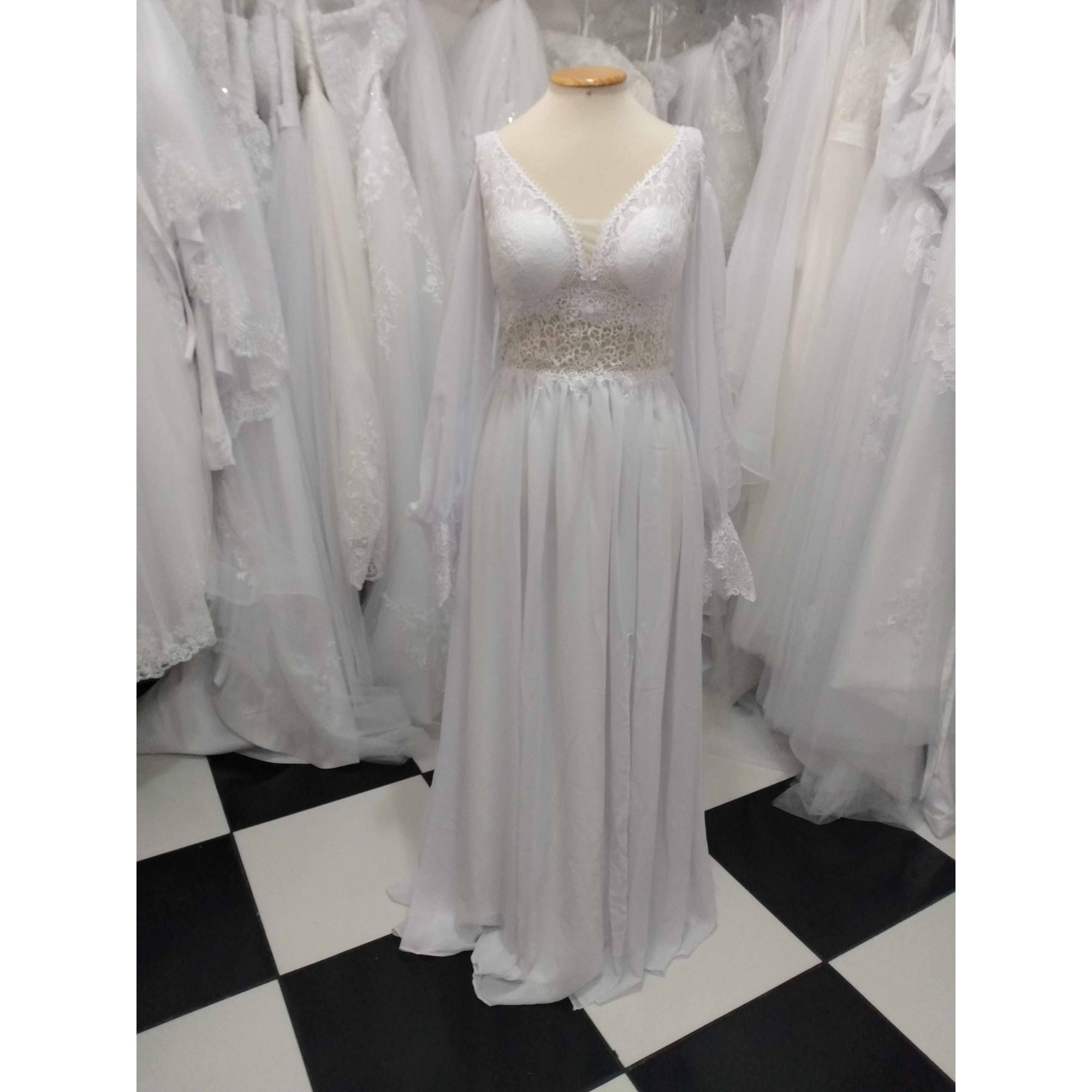 Vestido de Noiva Leve Barbara Manga Longa Com Fenda