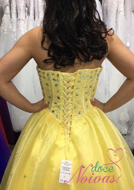Vestido Debutante Amarelo
