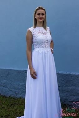 Vestido de noiva de renda simples e elegante