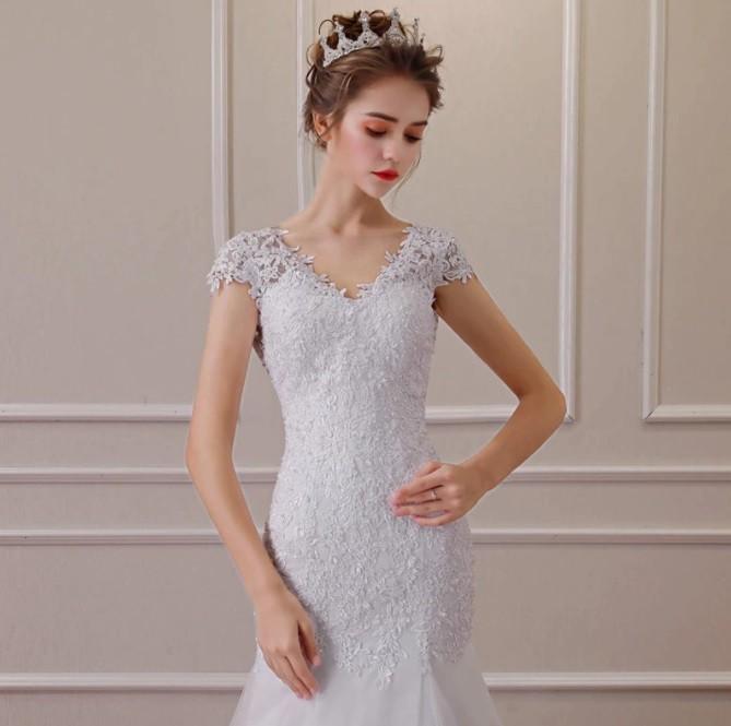 Vestido Sereia Luxuria Cauda e Detalhes Barra
