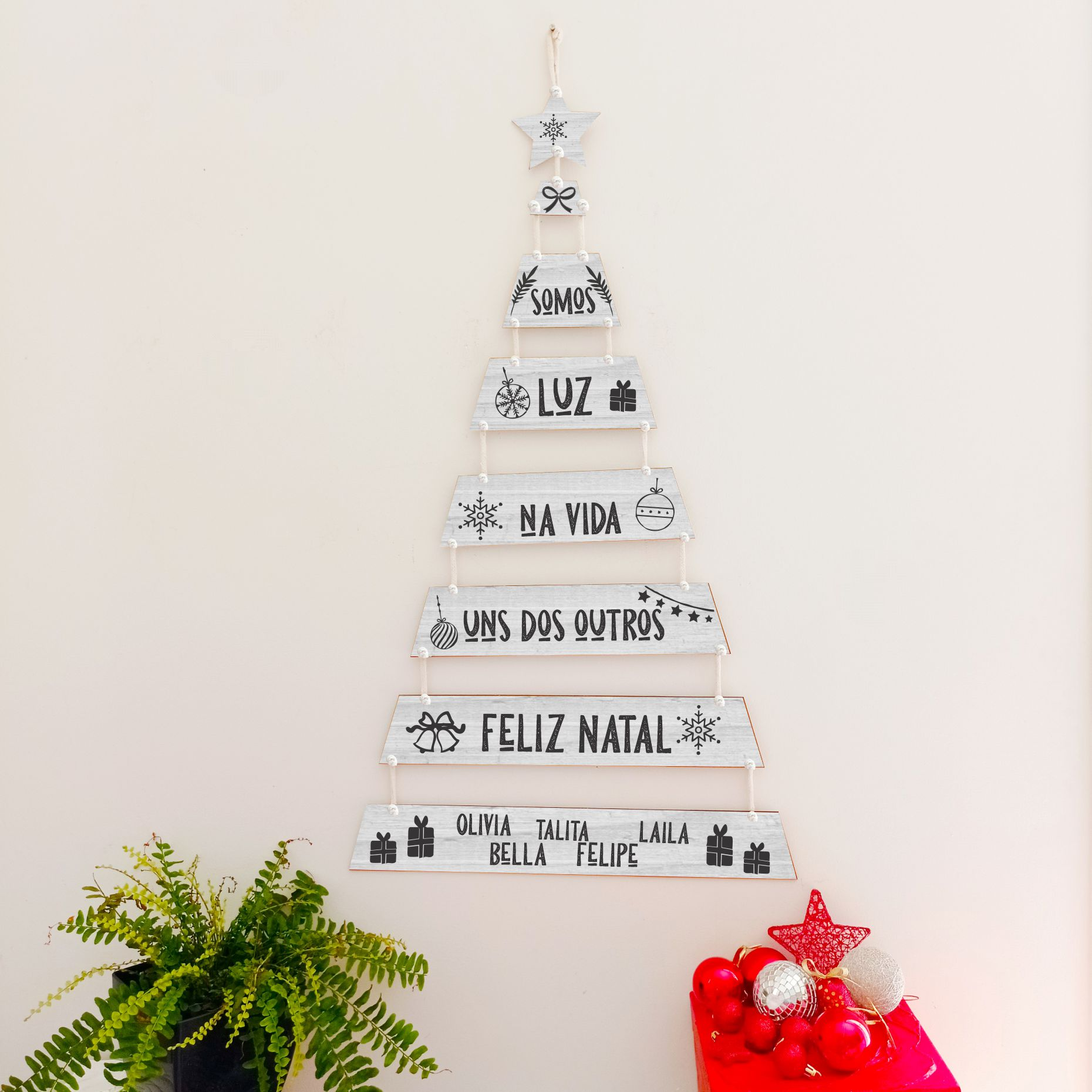 Árvore de NATAL De Plaquinhas - Personalizada - Somos luz e Nomes